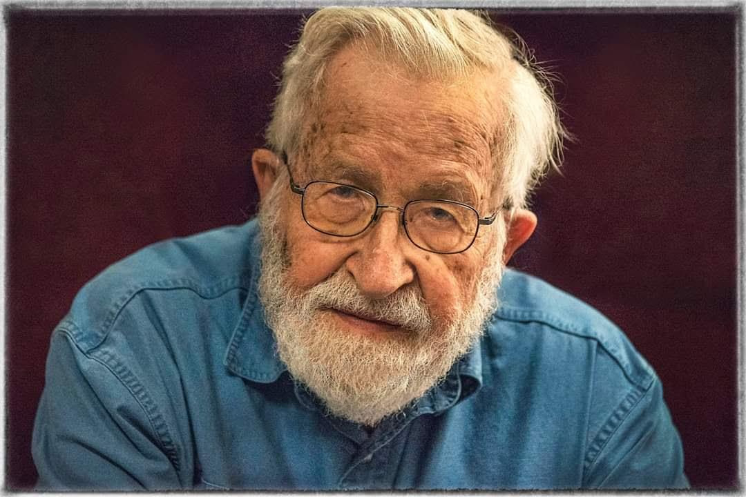Noam Chomsky: Η Κούβα βοηθάει την Ευρώπη ενώ η Γερμανία δεν μπορεί να βοηθήσει την Ελλάδα
