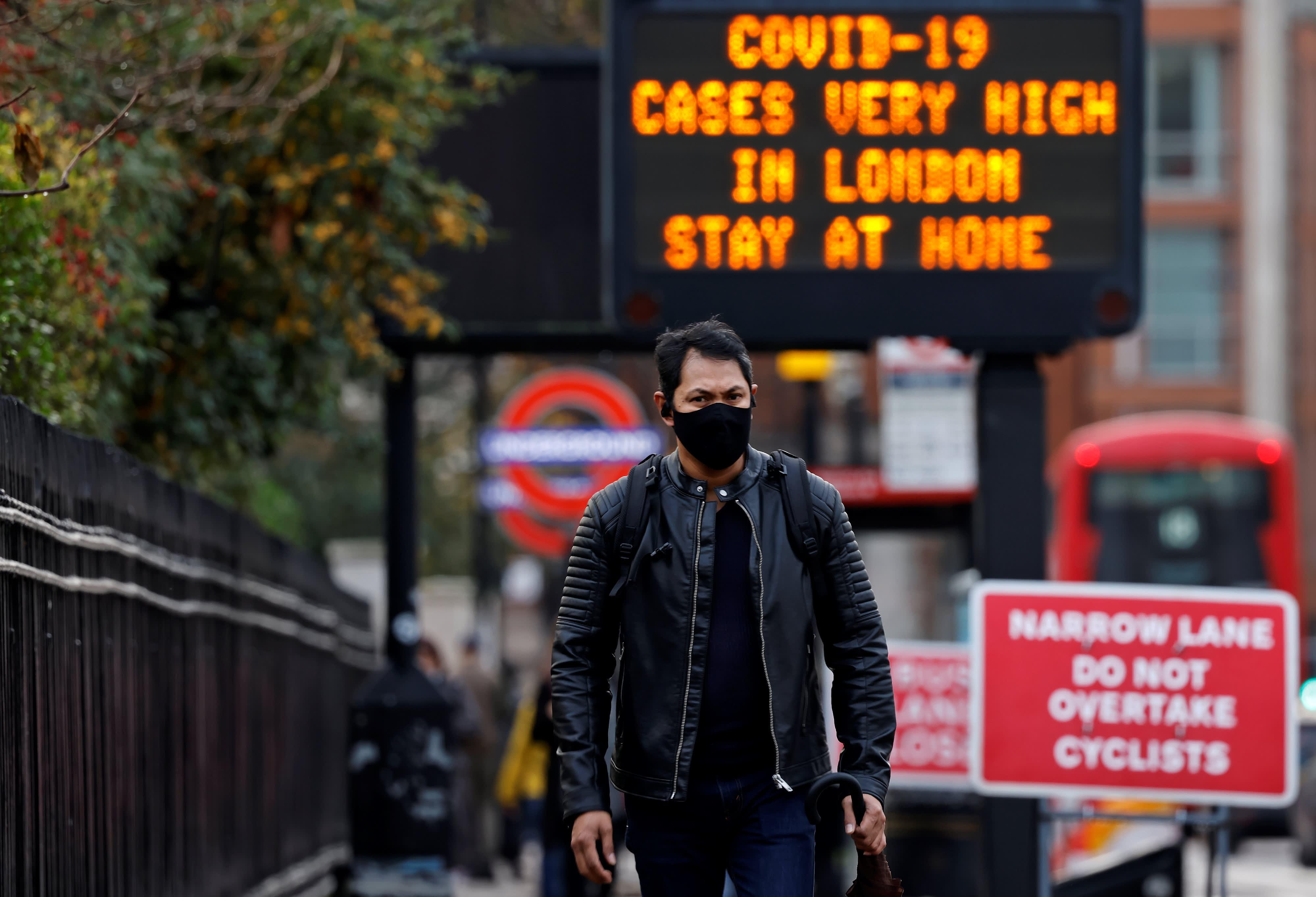 Η Βρετανία αναμένεται να πιάσει τη Δευτέρα το όριο της ανοσίας της αγέλης
